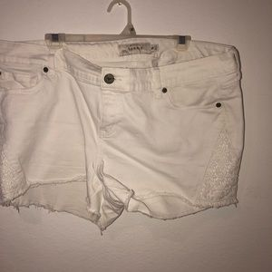 Torris white lace shorts size 16
